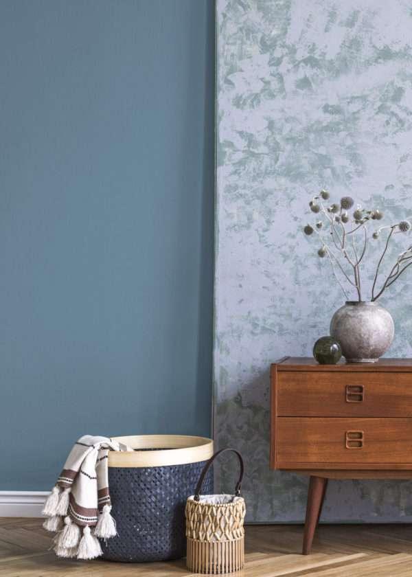 Salon dans les tons bleus, mis en valeur par notre bleu gris BLEU HORIZON - N°1992 Peintures 1825
