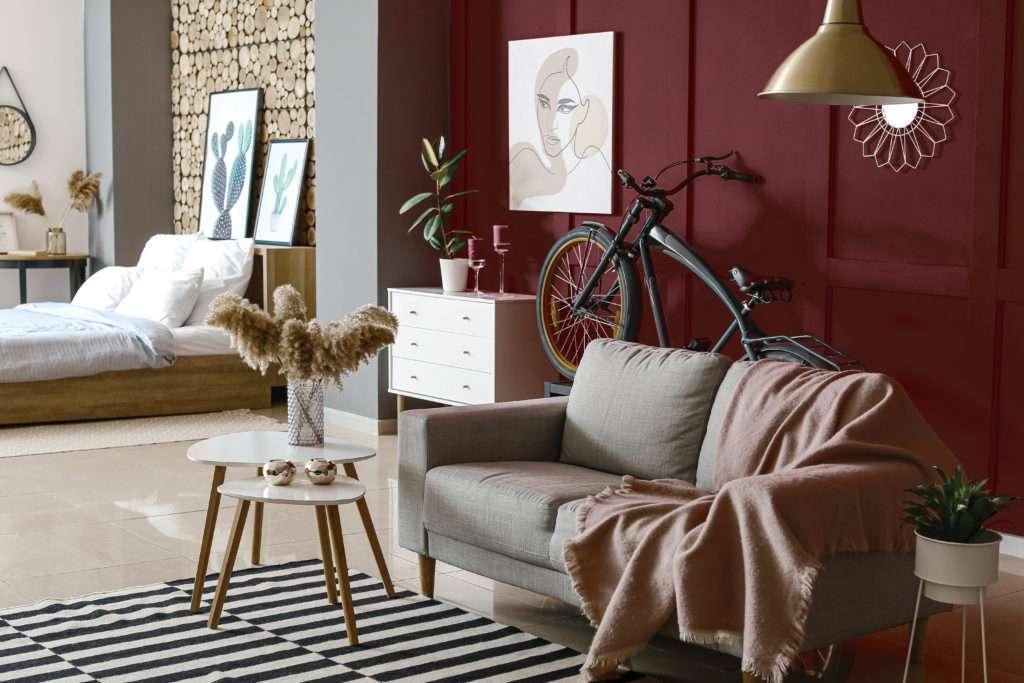 Salon et chambre à coucher, mis en valeur par notre rouge bordeaux BACCHUS - N°1876, Peintures 1825